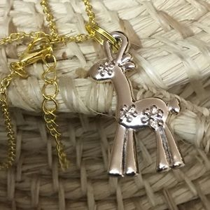 Jewelry - Cute flower power giraffe on chain